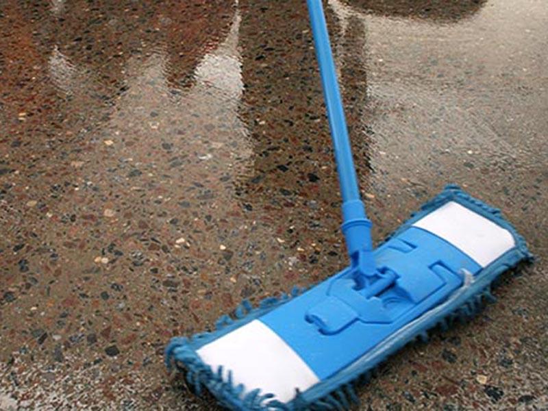 Технология полировки бетонного пола. Нанесение упрочняющей пропитки.